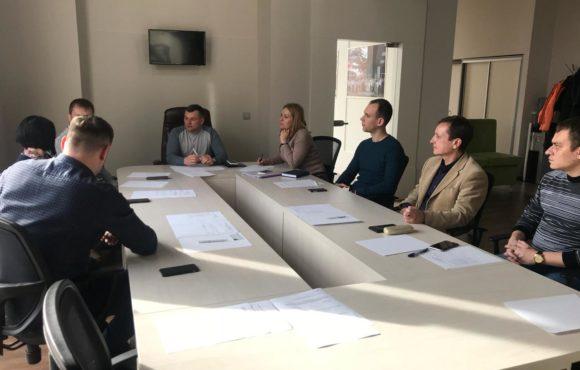 Комитет по промышленности: острые проблемы нужно решать за «круглым столом»