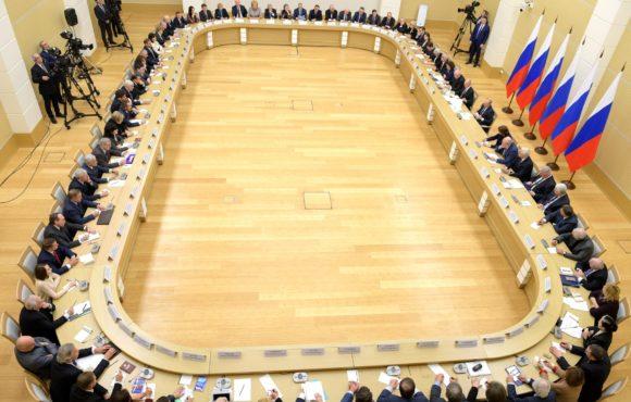 Александр Калинин передал Владимиру Путину благодарность от крымчан за ряд поправок в Конституцию