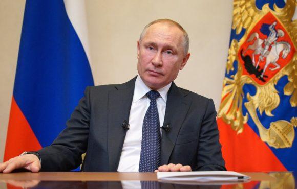 Владимир Путин продлил режим нерабочих дней до 30 апреля включительно