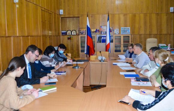 Общественный совет при Министерстве образования, науки и молодёжи Республики Крым обсудил план работы на 2021 год